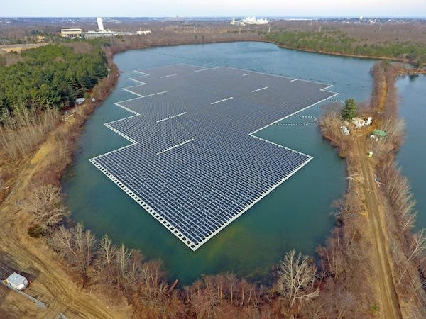 floating solar panels renewable energy