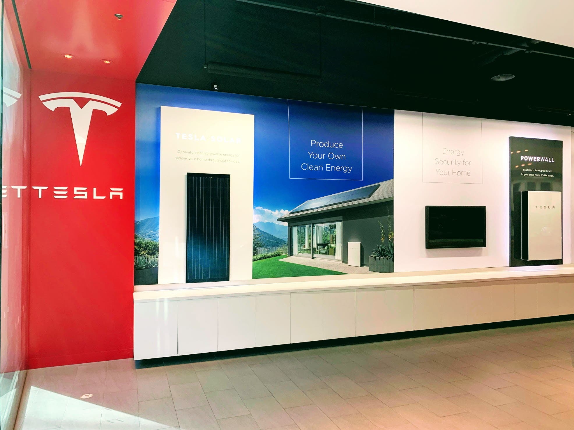 Tesla Home Solar PV Power Store