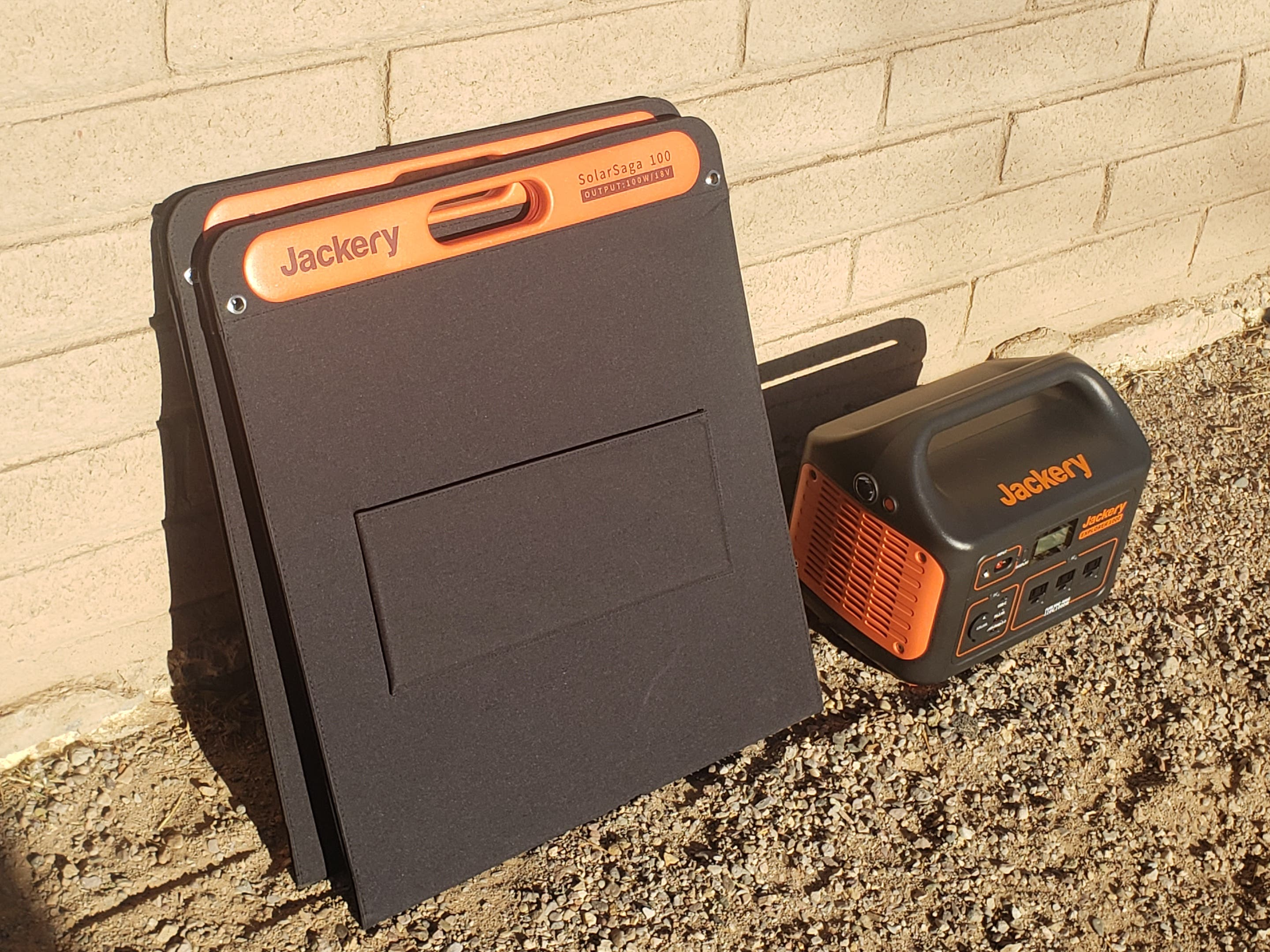 Jackery Explorer 1000 Solar Power Station