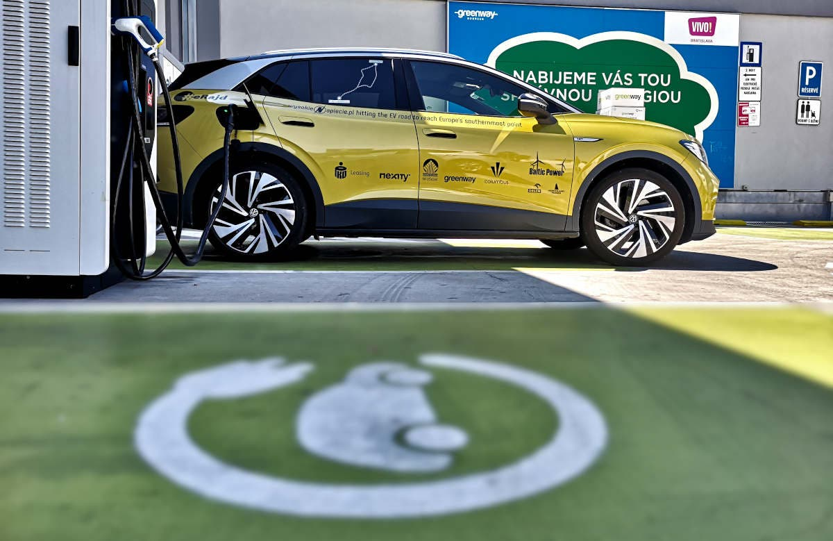 Volkswagen ID4 charging at GreenWay charger road trip Europe CleanTechnica